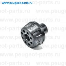 215081131R, Renault, Втулка крепления радиатора нижняя для Renault Duster 1